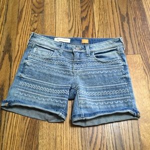 Pilcro anthropologie embroidered jeans shorts S 26